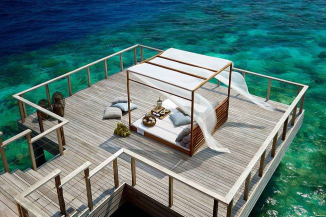 Dusit Thani Maldives Hotel